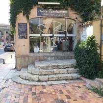 Place Vandromme. Galerie atelier céramiste. Vallauris